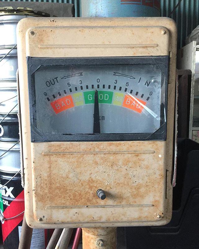 自動車工場コンバージョンプロジェクト下見に行って来ました。測定器が時代を物語っていました。プロジェクト、上手く進むといいな。#工場 #コンバージョン #用途変更 #測定器 #デザイン #ラグデザイン #自動車整備工場 #浜松市